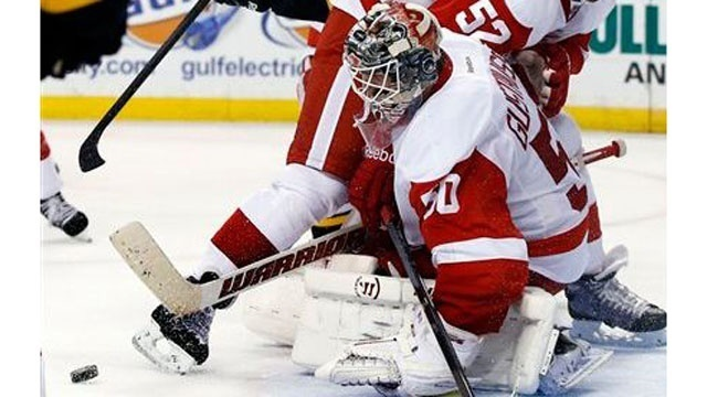 Jonas Gustavsson Red Wings Bruins