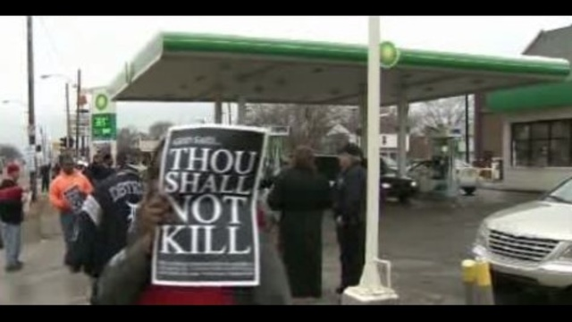 Detroit gas station shooting