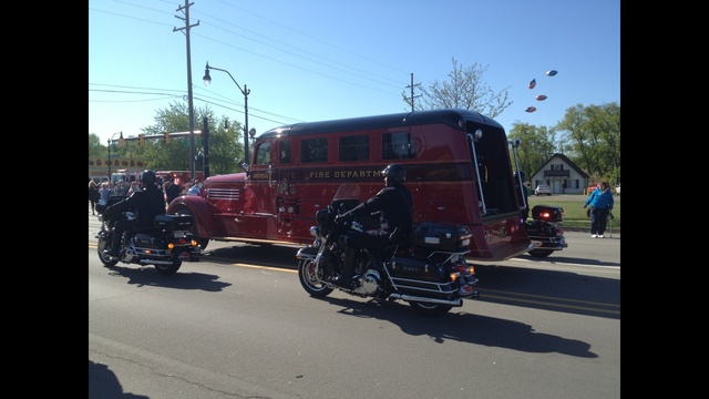 Woehlke funeral procession truck1_20121782