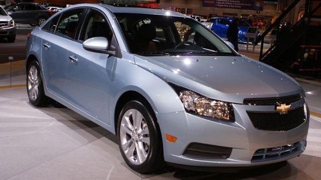 2011 Chevrolet Cruze front passenger_394714