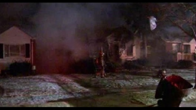 5 hurt in detroit house fire_23446736