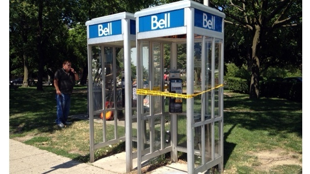 Canada-phone-booth