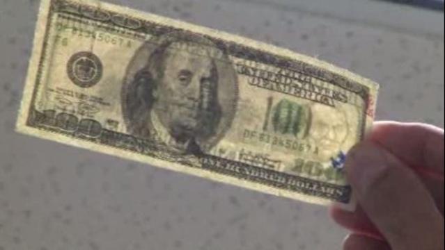 Counterfeit money 4_13033818