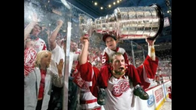 Darren McCarty with stanley cup