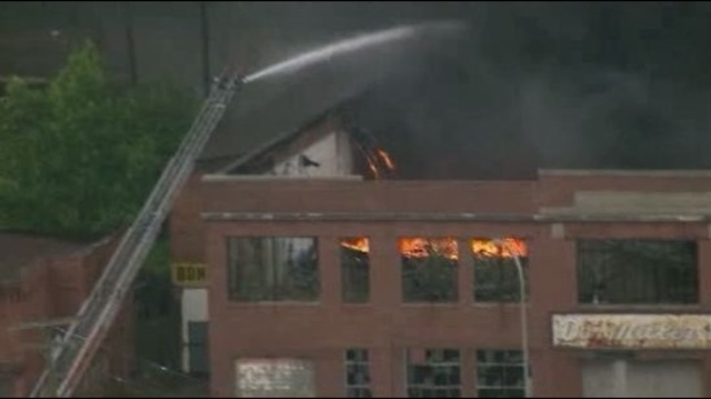 Detroit building fire 3_15353114