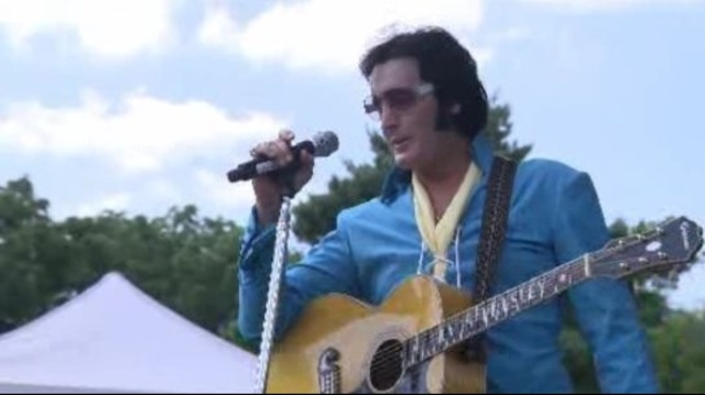 Elvis-fans-getting--All-shook-up--at-annual-event--1.jpg_20967188