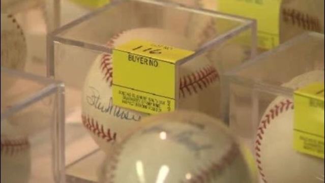 Ernie Harwell signed baseball_19192894