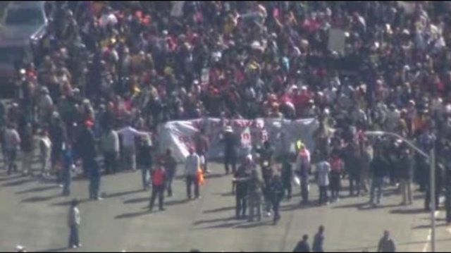 GE protest 1_11813146
