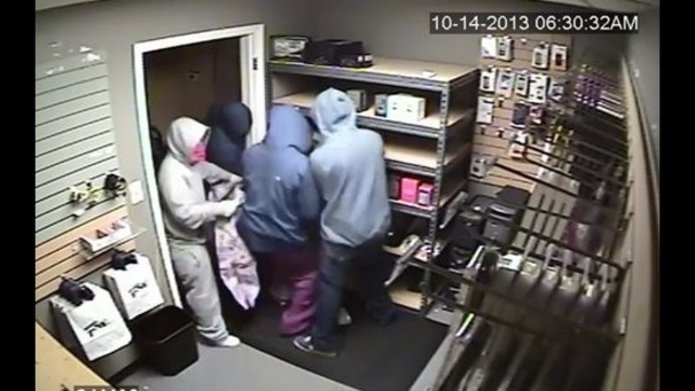 Howell cellphone store robbers 1