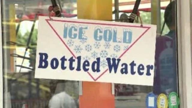 Ice-cold-wqter-sign.jpg_20683132