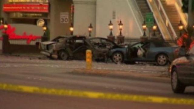 Las Vegas shooting crash_19030212
