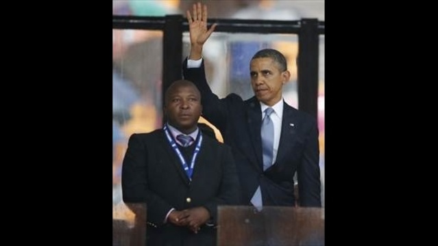 Mandela-Interpreter.jpg_23428552