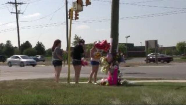Memorial at Canton Township crash site_15673254