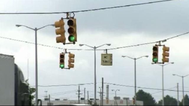 Mound Road traffic lights