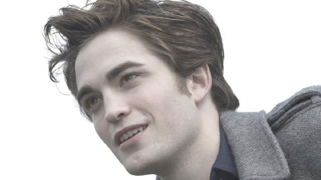 Robert Patinson as Edward Cullen in Twilight_1744722