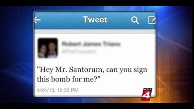 Student Tweet during Santorum 's speech_19882780