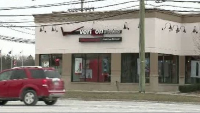 Southfield Verizon robbery 1_18379560