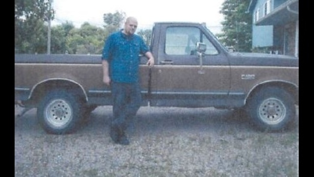 Suspect-with-pickup-truck.jpg_22667014