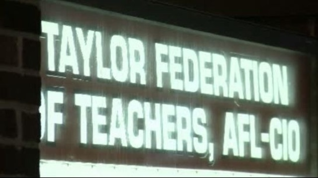 Taylor Federaton of Teachers sign_17727066