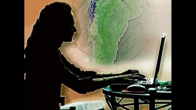 Woman-on-computer.jpg_9719928