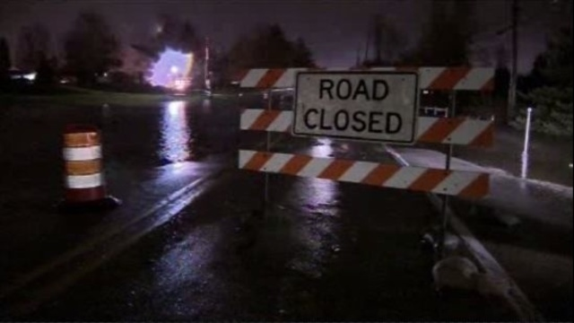 Flooding closes section of M-59, drivers being detoured at Mound Road