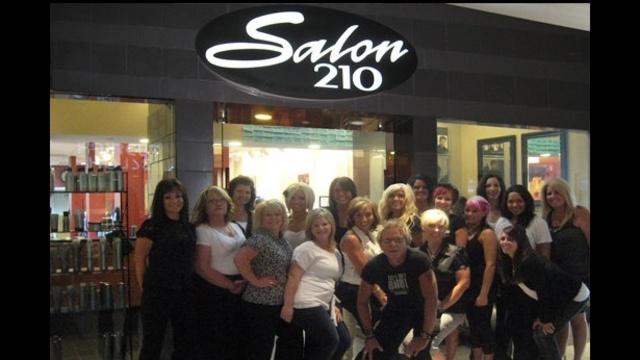 Salon 210_17245110