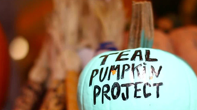 Teal Pumpkin Project: Tell trick-or-treaters with food allergies that…