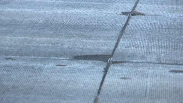 Mound Road potholes
