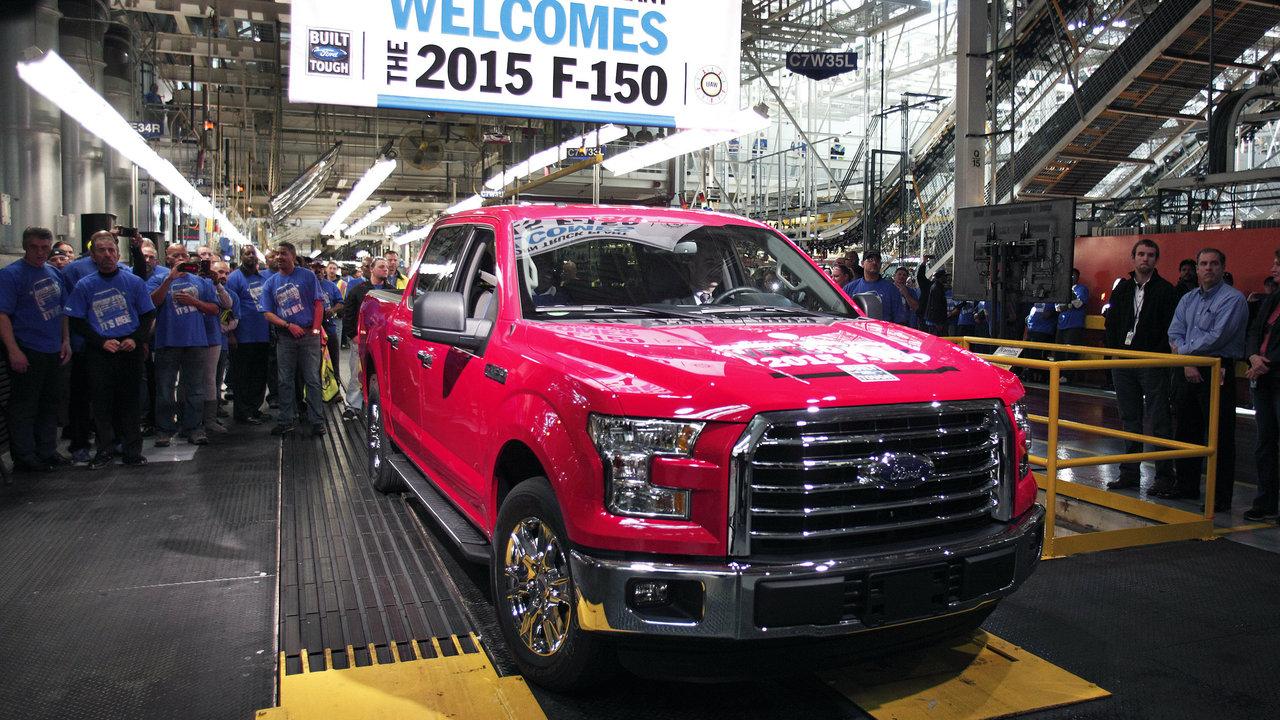 ford recalls 1 3m f 150 super duty trucks in north america. Black Bedroom Furniture Sets. Home Design Ideas