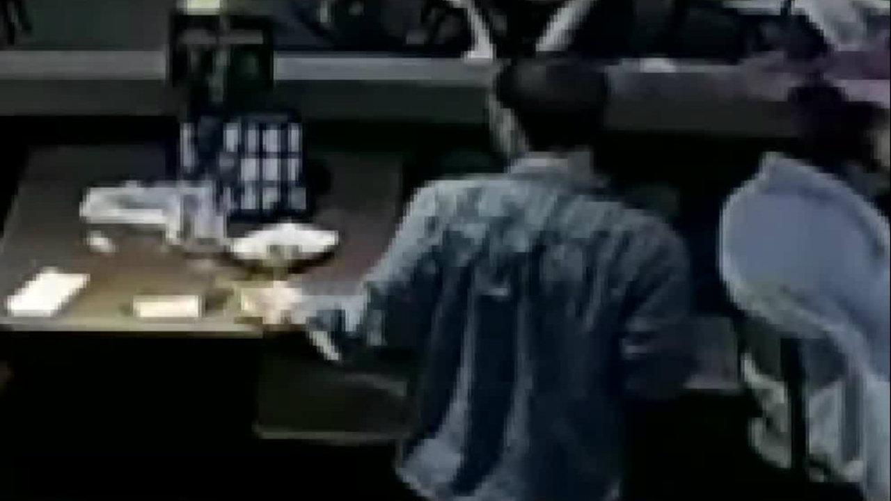 Video Shows Man Stealing Money For Bill Tip Off Table At Math Wallpaper Golden Find Free HD for Desktop [pastnedes.tk]