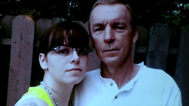 Amanda Benton and her father_1489419565879.jpg