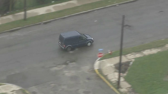 detroit police chase van 3_1491315417461.jpg