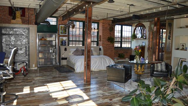 Detroit Riverfront Warehouse Loft Lists For 1 4 Million