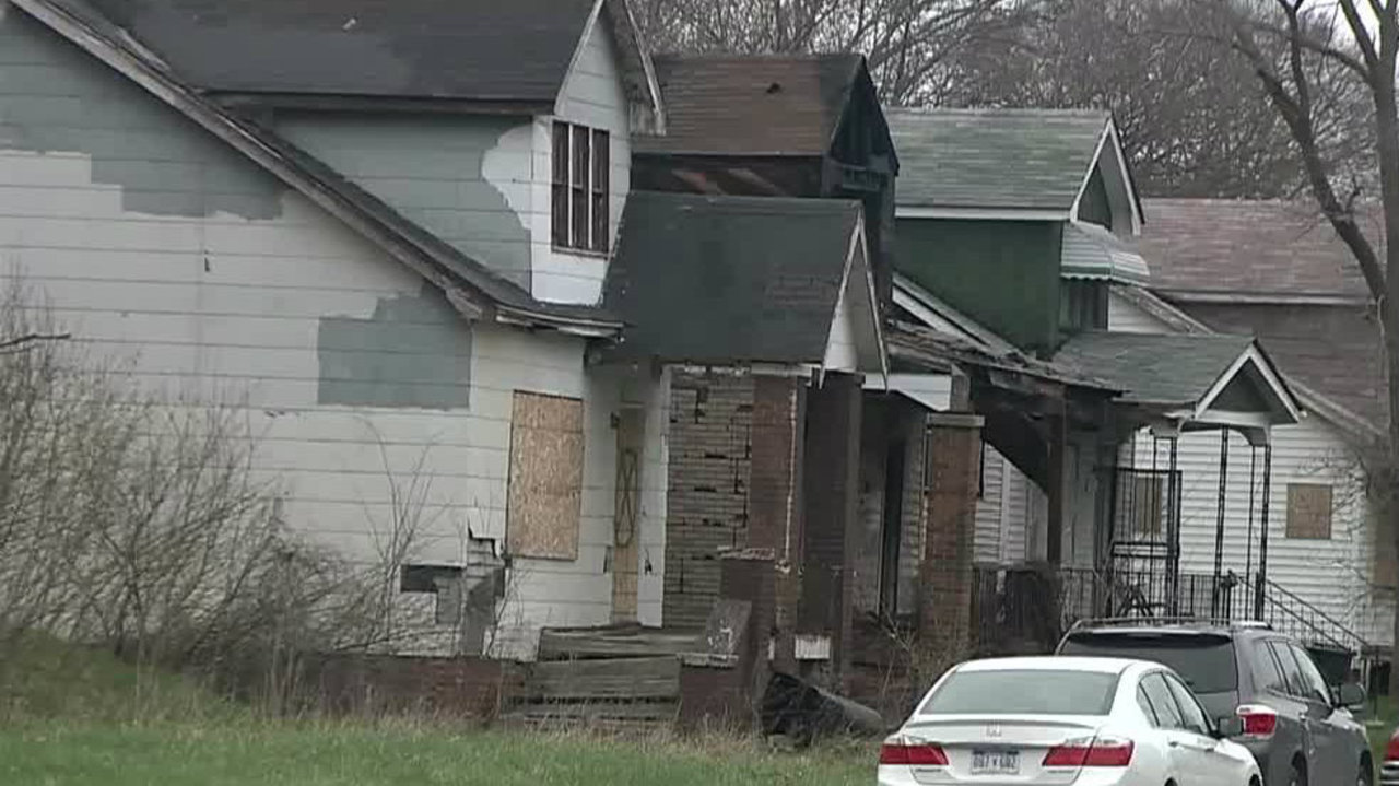 Burned body with bound hands, feet found on Detroit's east ...