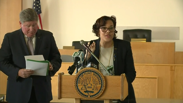Flint Mayor Karen Weaver heads to Washington D.C.