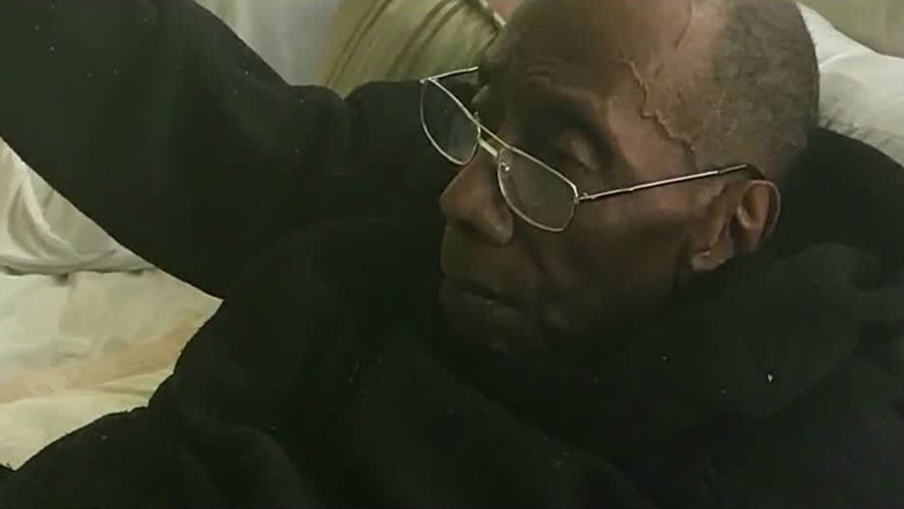 91-year-old Detroit man hospitalized, loses thousands after caretakers left him alone