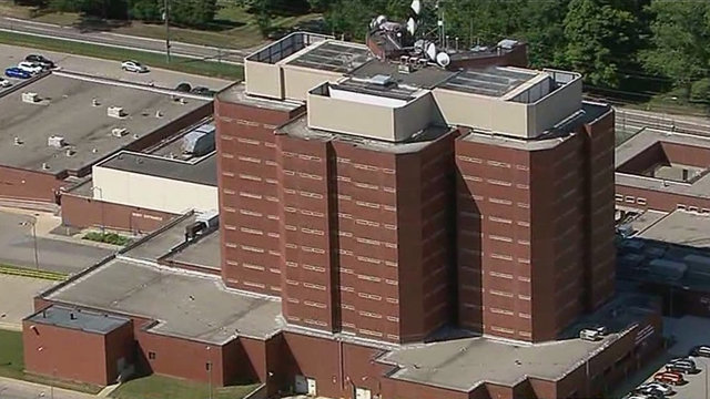 8 Macomb County Jail guards accused of violently beating weekend inmate…
