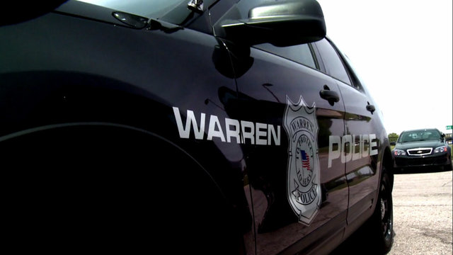 Warren robbery suspect in custody after crashing Mustang while fleeing police