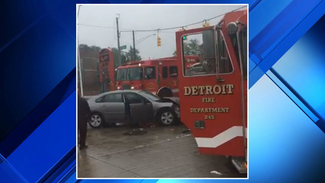 Firetruck crash Detroit's east side