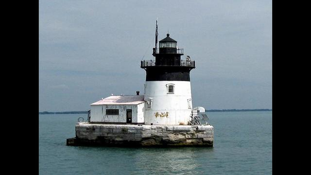 4 historic michigan lighthouses listed for sale detroit river light1501084617657g sciox Image collections