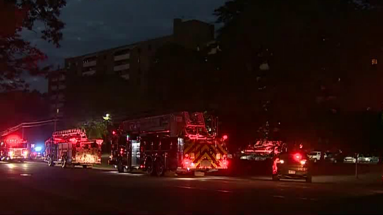 82-year-old man helps neighbors escape apartment fire in