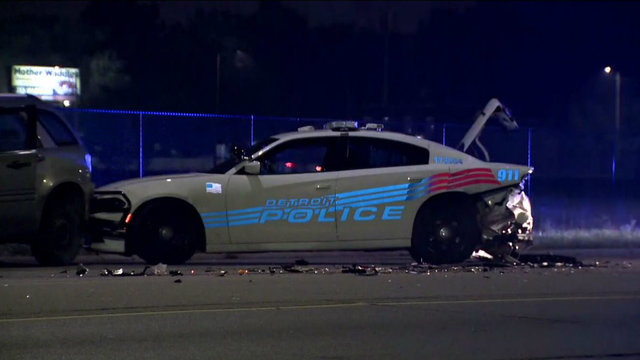 detroit police car hit joy road southfield 4_1507893273832.jpg