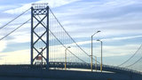 1,000 bicyclists ride from Detroit to Windsor and back on Ambassador Bridge