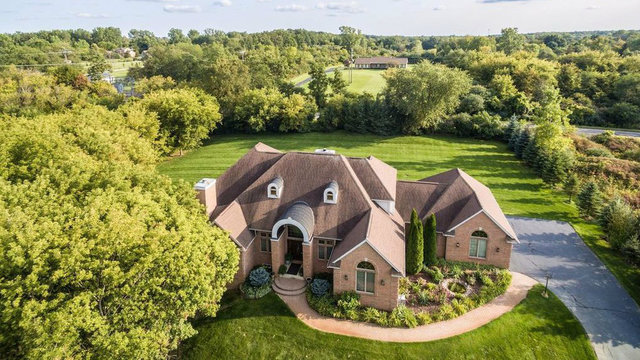 Spacious, luxurious home minutes from downtown Ann Arbor asks $799,900