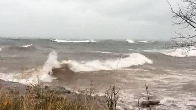 Gale Warning issued for Lake Superior with 19-foot waves possible