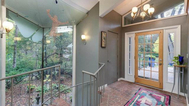 Central Ann Arbor home designed by U-M alumnus for sale