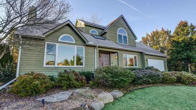 Beautiful 4-bedroom home in west Ann Arbor on market for $435,000