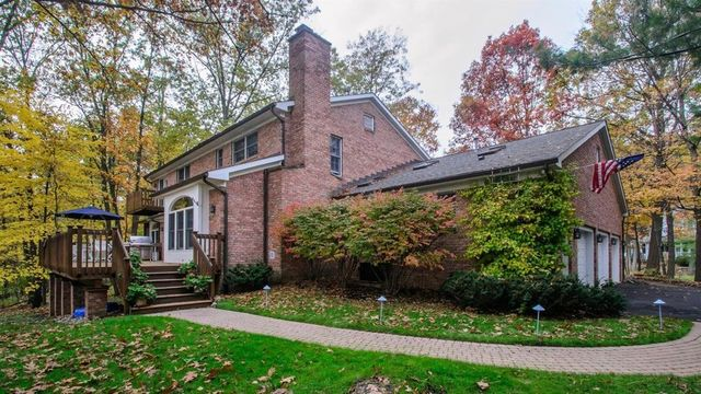 Luxurious Ann Arbor Hills home listed at $1,250,000