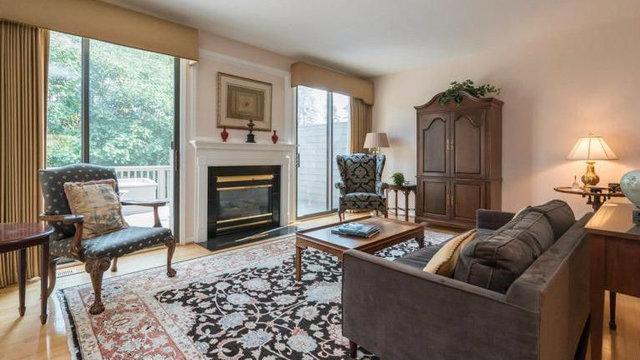 Luxurious Ann Arbor condominium asks $499,000