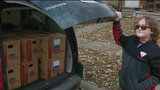 10-year-old 'Super Ewan' delivers Thanksgiving meals to needy in Warren